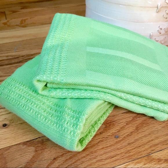NWOT LP Beautiful Grass Green Bamboo Dish Towels